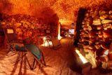 pres noc v solne jeskyni
