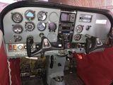 Cessna 207 kabina