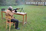 zkusebni strelba armadnimi zbranemi