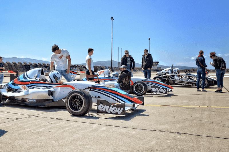 2v1 - jízda ve formuli Renault a Ariel Atom